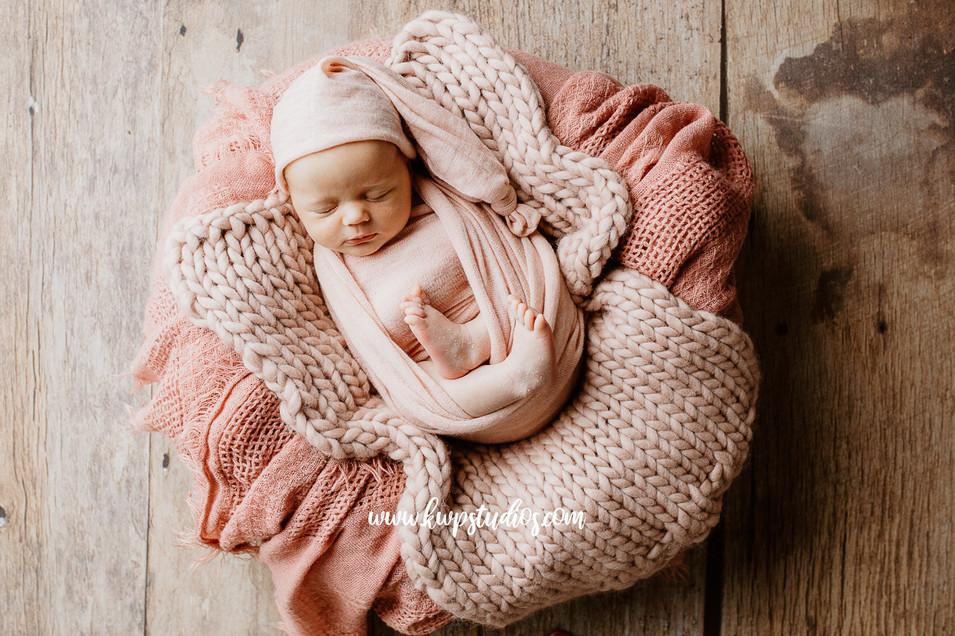 Baby photographer Flagstone