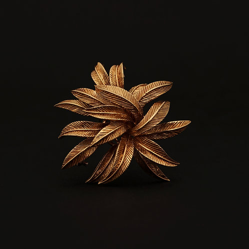 Van Cleef & Arpels, 18 Karat Gold Feather Brooch, Circa 1965