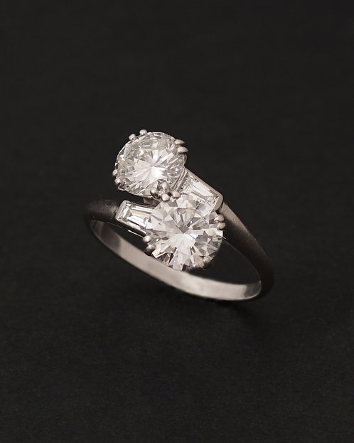 Chaumet, A Toi & Moi Diamond and Platinum ring, C. 1950
