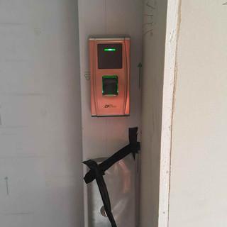 Control de elevador biometrico