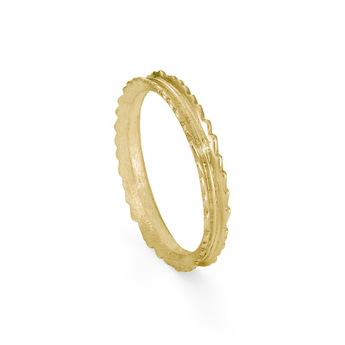 Gold Narrow Willow Leaf Ring