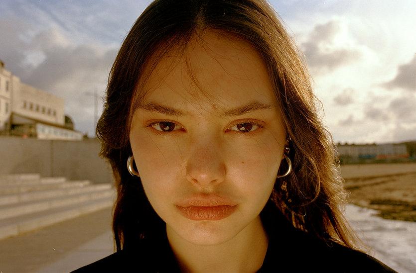 nora face(glow) 300dpi.jpg