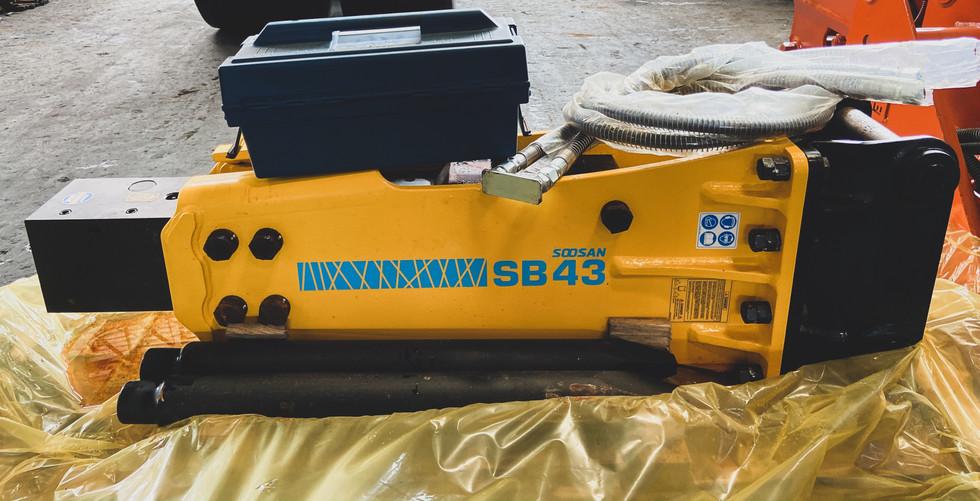SOOSAN SB43 Hydraulic Breaker