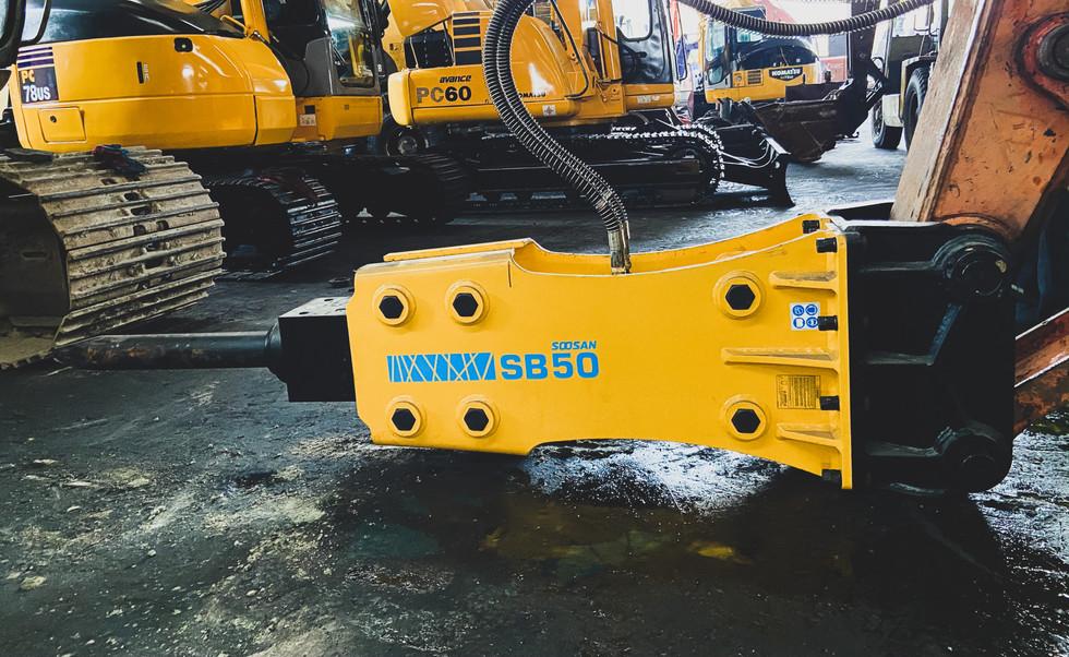 SOOSAN SB50 Hydraulic Breaker