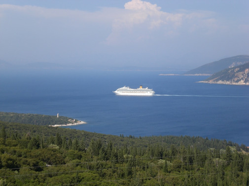 Passing cruise liner
