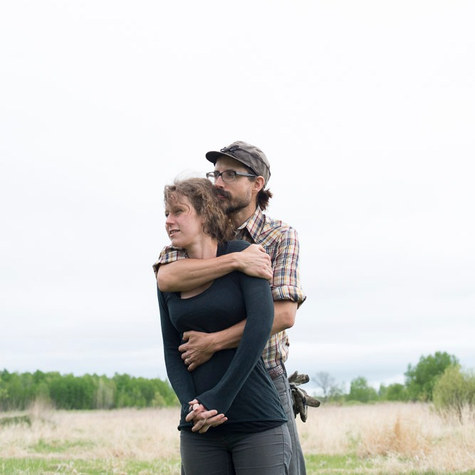 Skinny Jakes Fat Honey: An urban beekeeper and lawyer relocate to rural Minnesota to build an organic farm in a sea of conventional corn and soybean fields