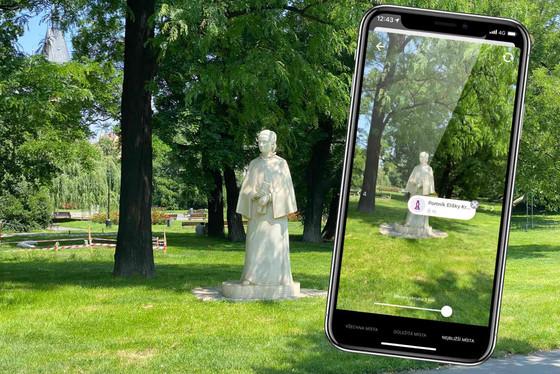 Socha Elišky v parku