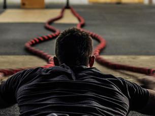 Battle ropes: 5 beneficios de entrenar con sogas de batalla