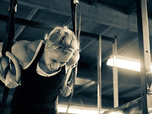 Infografía - Aprende a hacer muscle-ups en 13 pasos
