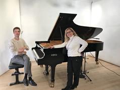 Maria Pappa mit Solist Dominic Chamot