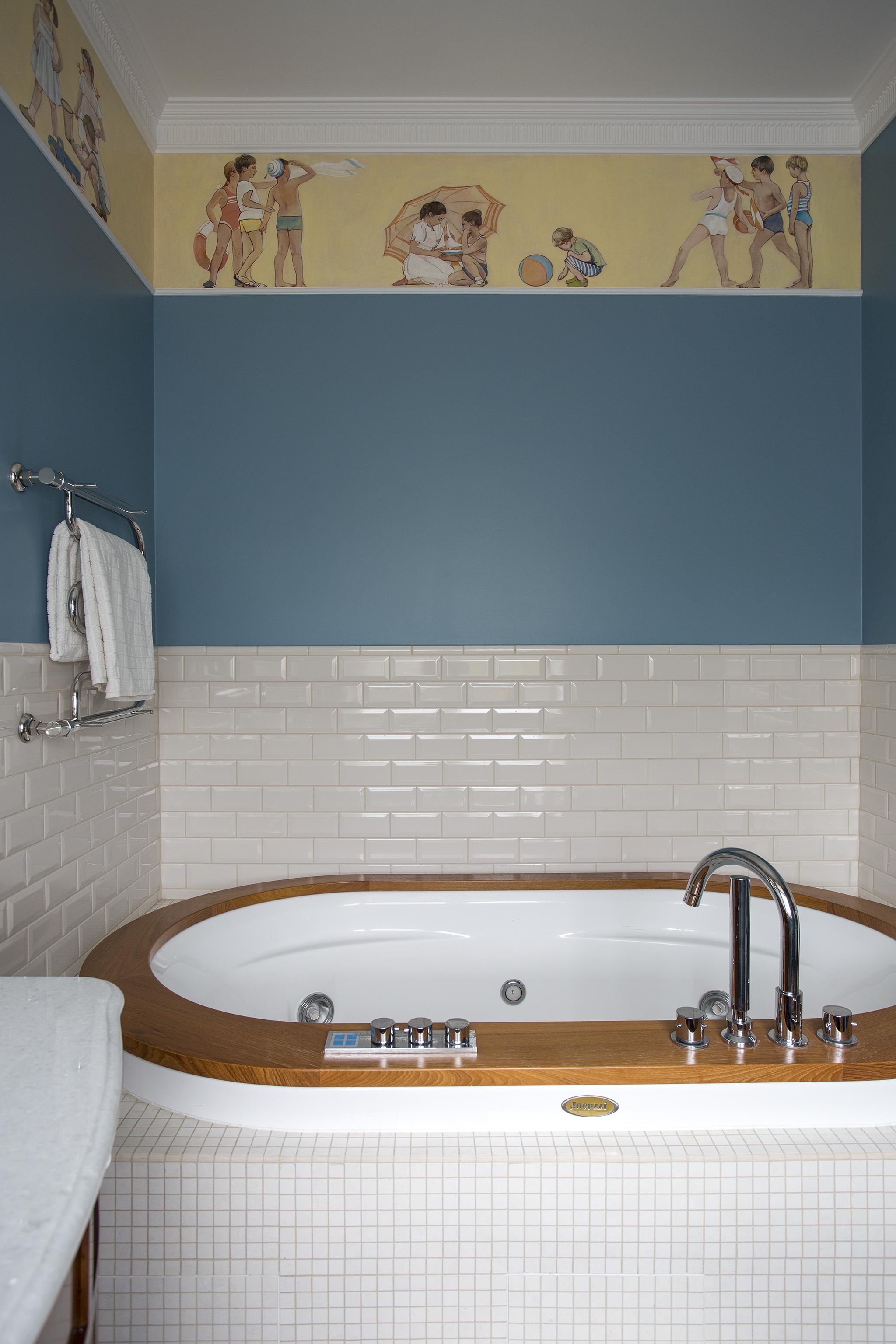 Фриз- роспись в ванной