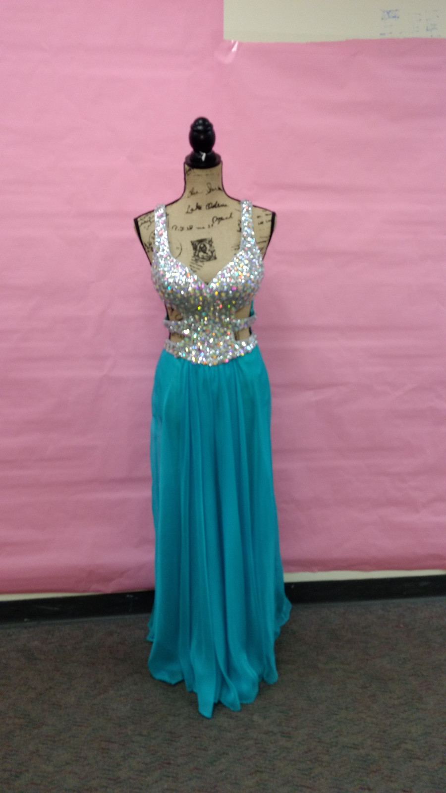 Magnificent Donate Old Prom Dresses Crest - All Wedding Dresses ...