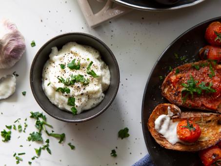 Heavenly Lebanese Garlic Sauce/Dip (Toum)