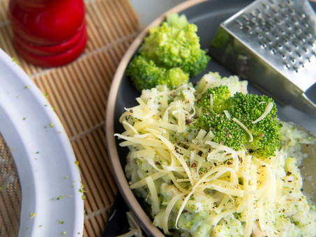 Lean, Mean & Green Cheesy Broc Mash