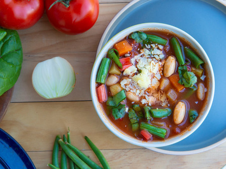 Cozy & Comforting Minestrone Soup