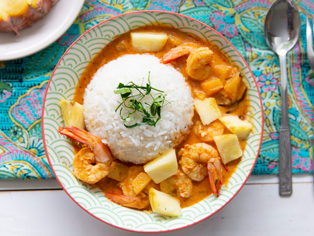 Malaysian-Style Prawn and Pineapple Curry