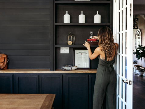 Home Office Makeover: Built-In Bookshelves DIY!