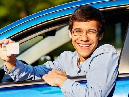 ¿Qué multa te pueden poner si llevas el carné de conducir caducado?