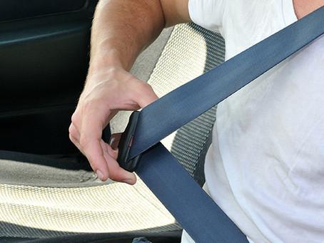 ¿Lleva el cinturón de seguridad bien puesto?