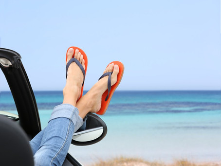 No conduzcas que llevas chanclas. Las multas del verano.