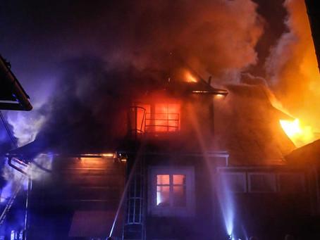 Un hogar arde en 5 minutos