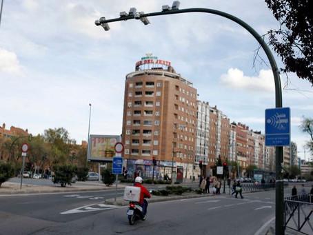 El primer radar de tramo de Madrid sanciona a 30 coches cada día