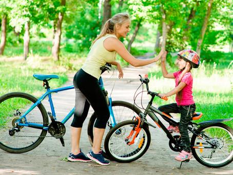 Cinco ejercicios para mantener la forma en familia
