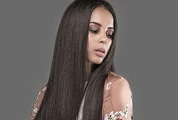 без следи от ластик - как да избегнем следите от ластик - вързана права коса - права коса за по-дълго - изправяне с преса - гладка коса - Любка Илиева -lubkailievakk.com