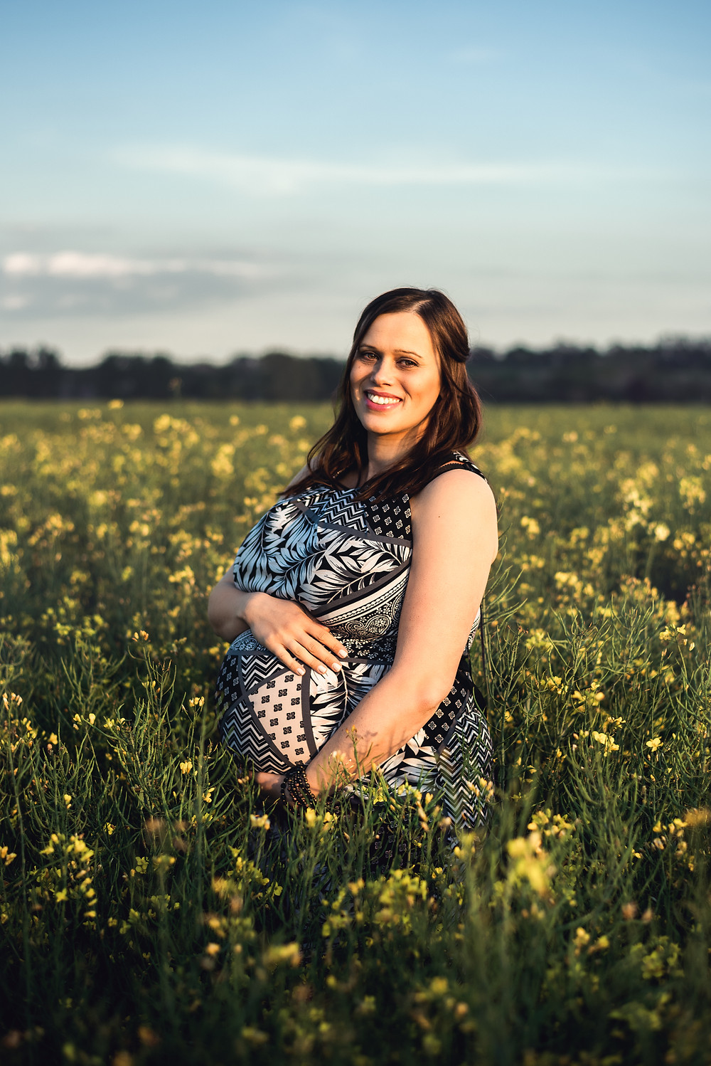 Baby bump pregnancy photo shoot Coventry Lutterworth Warwickshire outdoors