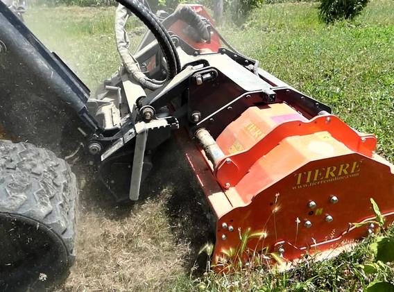 trinciatrice-idraulica-industriale-tierre-pantera-agricoltura-manutenzione-campo-per-tratt