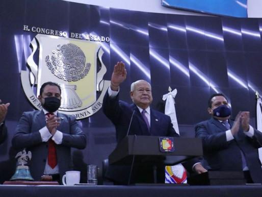 Rinde Protesta Victor Castro Cosío como gobernador de BCS