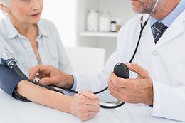 ヨガと動脈性高血圧症(血管性高血圧症)
