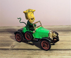 The herbs, parsley the lion car.