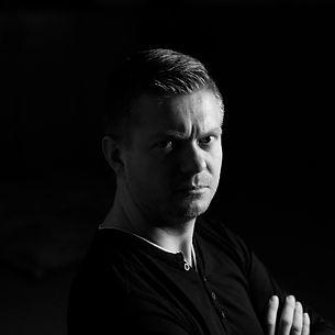 Jan Barcicki prowadzący Neuron Cube
