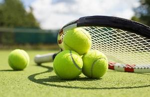 tennis_racket_balls_ss_0618_noexp_620x40