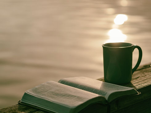 könyv, kávé.jpg