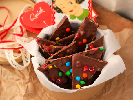 """""""L'il Sweethearts"""" Candy Bark"""