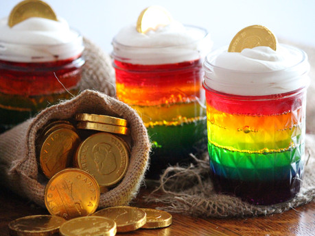 """Luck o' the Irish"" Jell-O Jars"