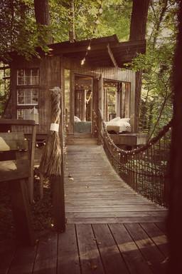 Vintage Blue Ridge Treehouse
