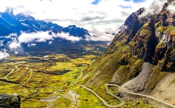ボリビア- death-road01_edited.jpg