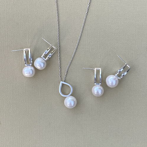 CocoRaj Midi Earrings with White Freshwater Pearl