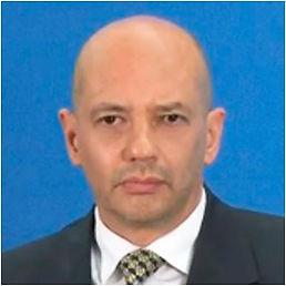 Dr. Enrique Cáceres Nieto