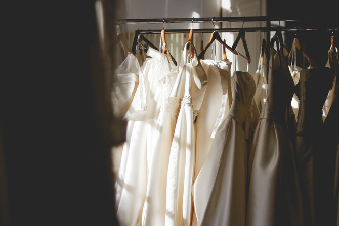 A Guide to Choosing the Perfect Wedding Dress Fabrics for your Wedding Theme