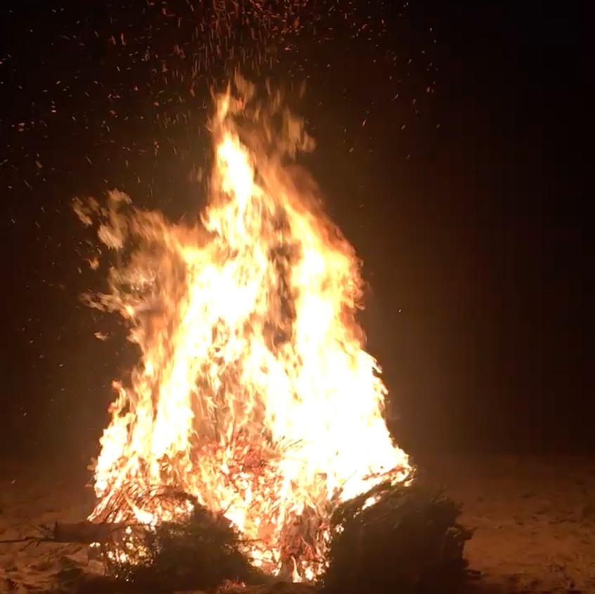Holiday-Bonfire-1-2017