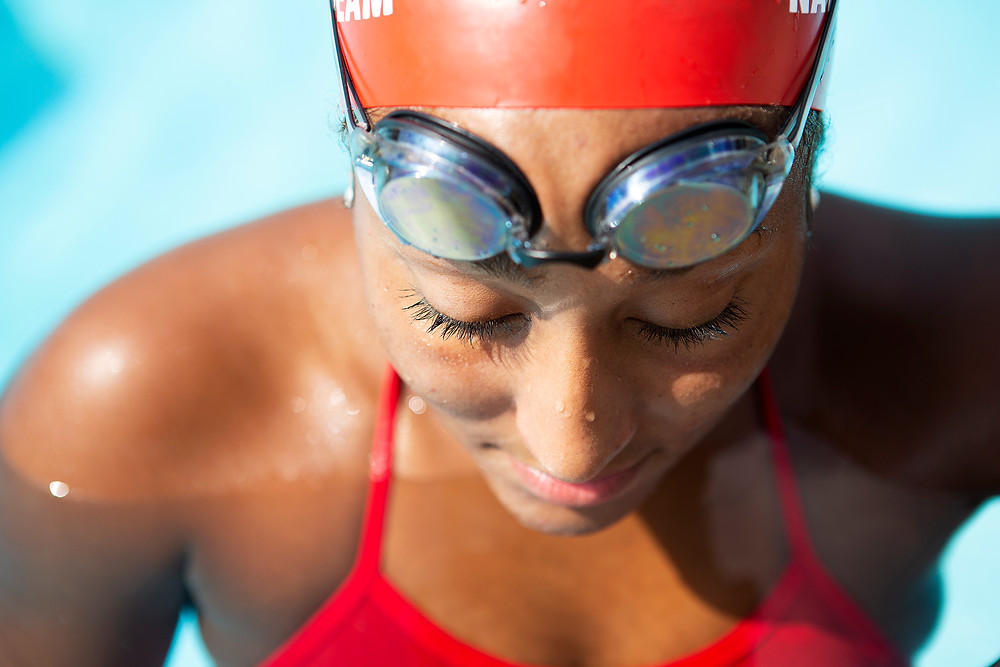 modern senior portraits swim team