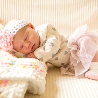 Lifestyle in Home Sessions | Newborn & Family