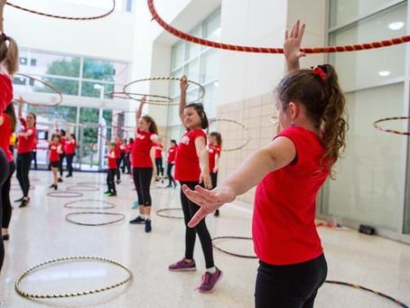 3 Fun Hula hoop moves for beginners!