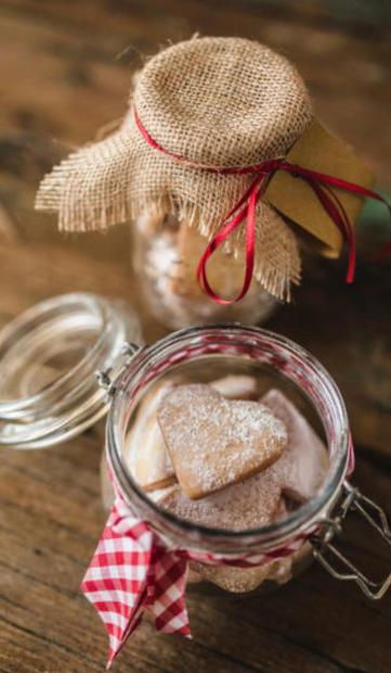 No 33 Bakery - Jar of Hearts £10