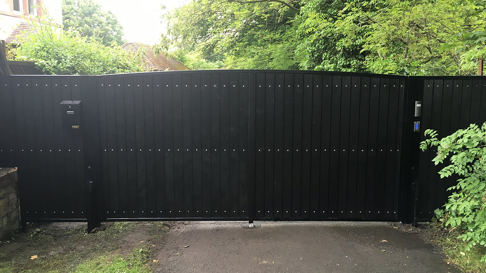 Turnberry Style Double Swing Gate