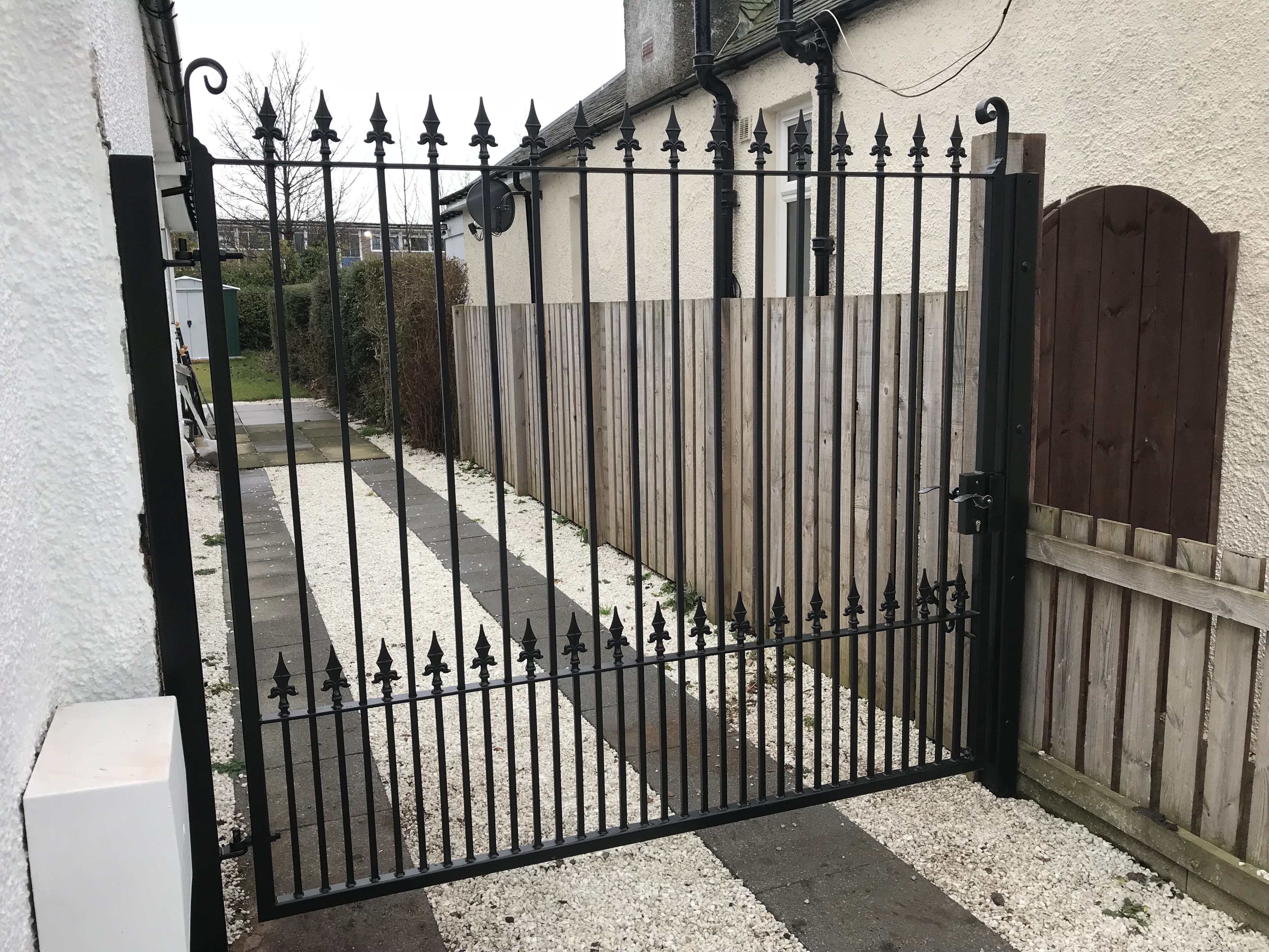Manual Driveway Gates